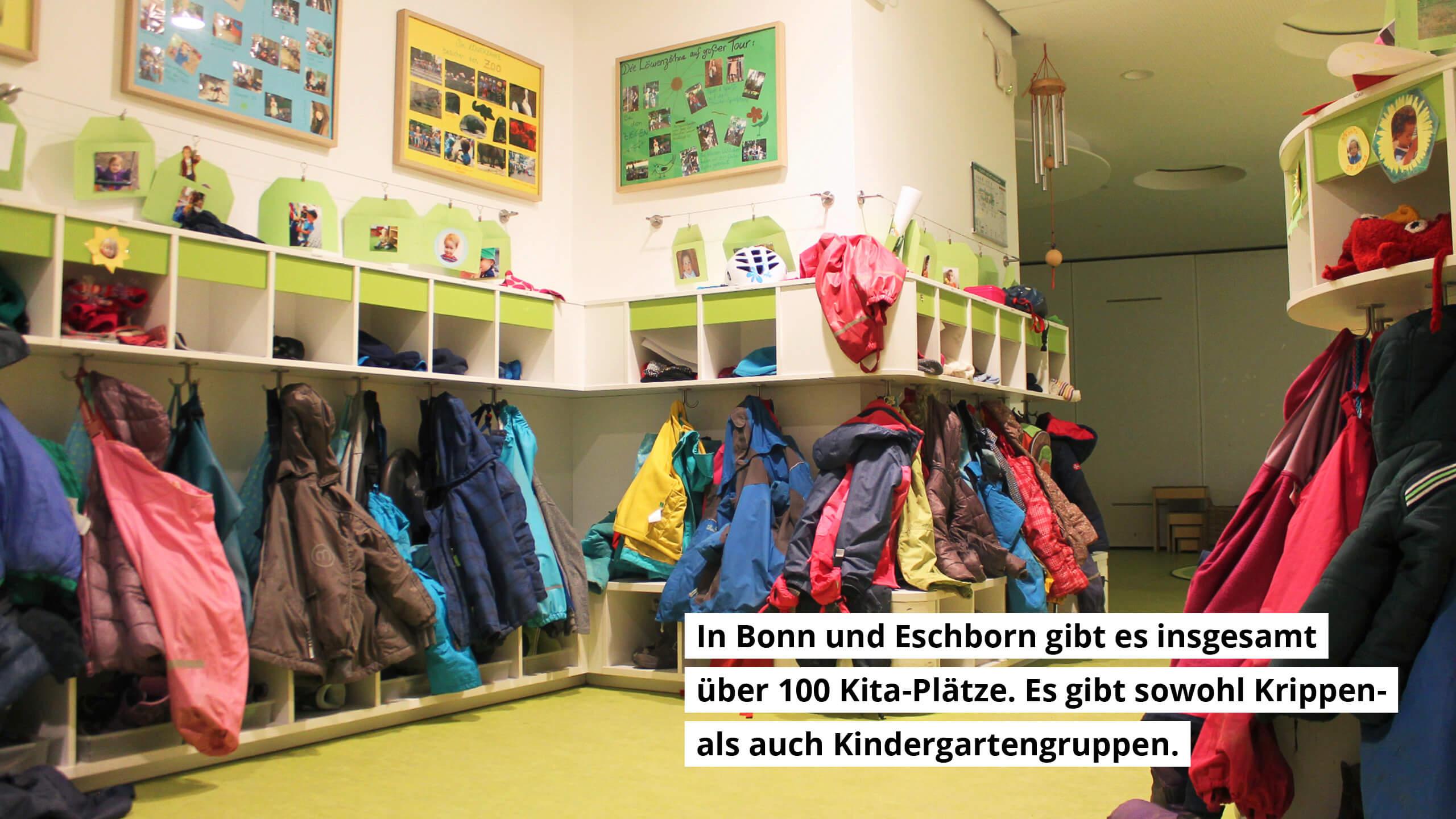 In Bonn und Eschborn gibt es insgesamt über 100 Kita-Plätze. Es gibt sowohl Krippen- als auch Kindergartengruppen.
